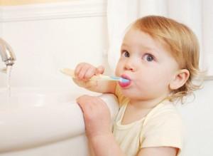 Những sai lầm khi dạy trẻ đánh răng
