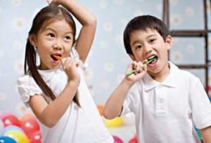Trẻ nhỏ bị viêm nướu răng