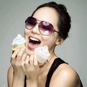 Những thói quen làm tổn thương răng không ngờ